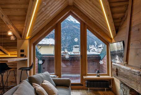 Renovation of an attic in Courmayeur